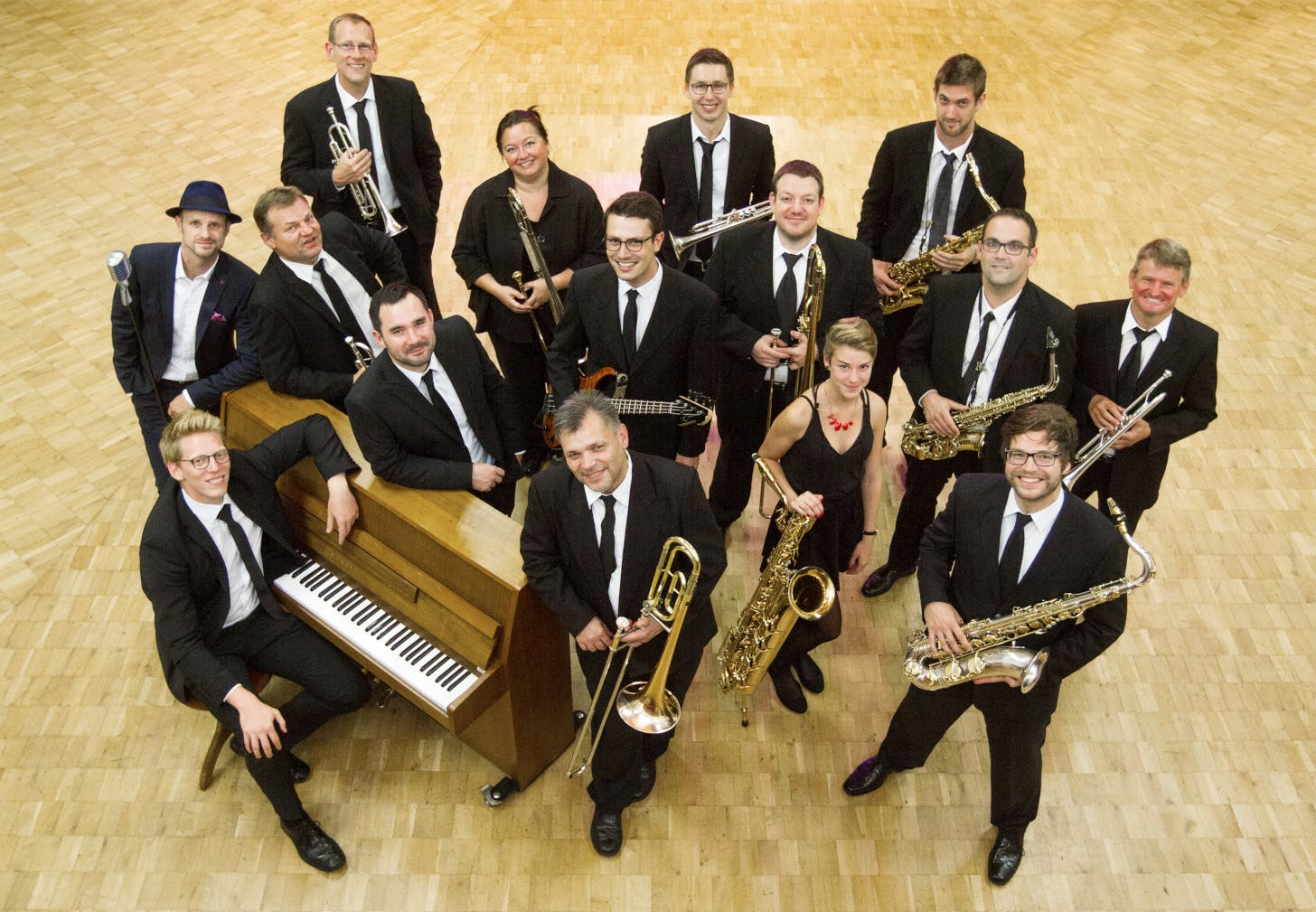 """Pop Swings"" beim Auftritt der Grand Central Big Band am 12. Mai im Herrenalber Kurhaus. ©Grand Central Big Band"